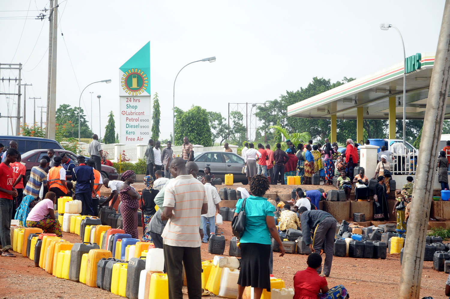 Fuel Scarcity: Nigerians To Bear With Us Till May—FG