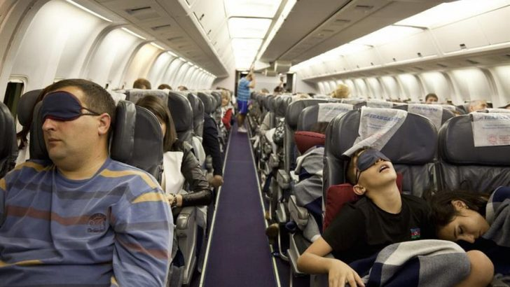 4 Secrets To Enjoying Economy Flight