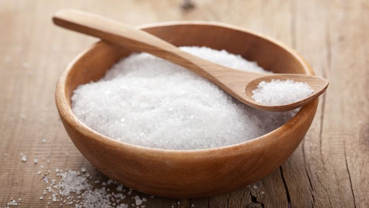 6 Side Effects of Eating Too Much Salt