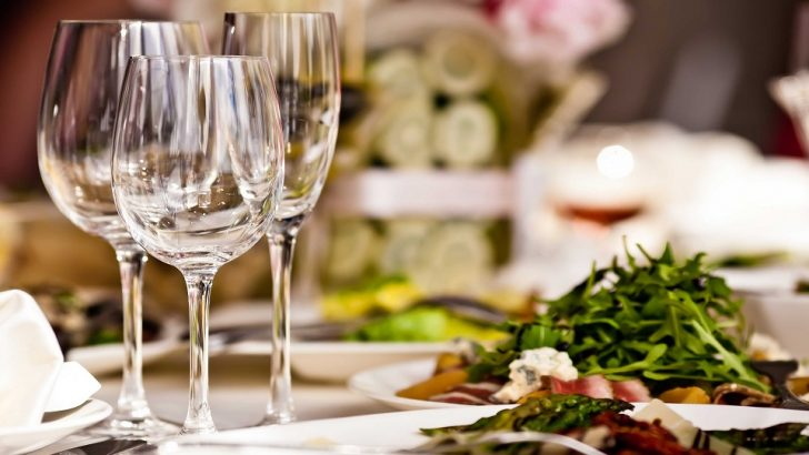 Dining Etiquettes To Know Before Heading To Restaurant