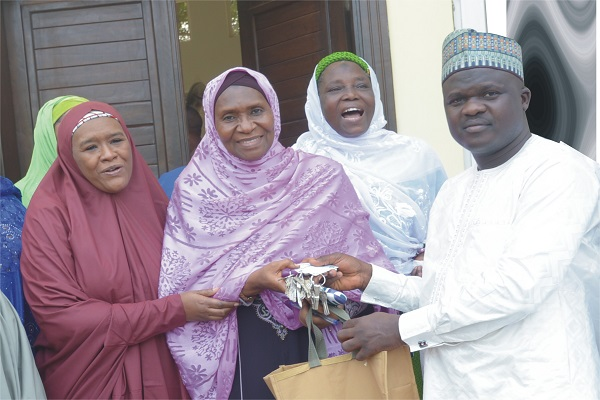 Dangote Hands Over N100m Abuja Mosque To Muslim Women