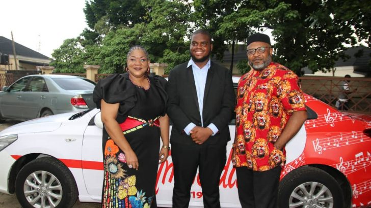 Ekhuemelo Receives Hymnodia Car Prize Amidst Jubilation