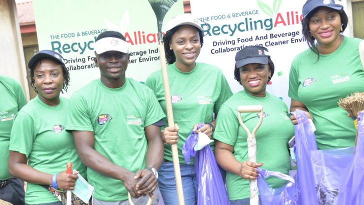 BRA Partners Trashusers, Lagos Govt To Clear Plastic Waster In Agege