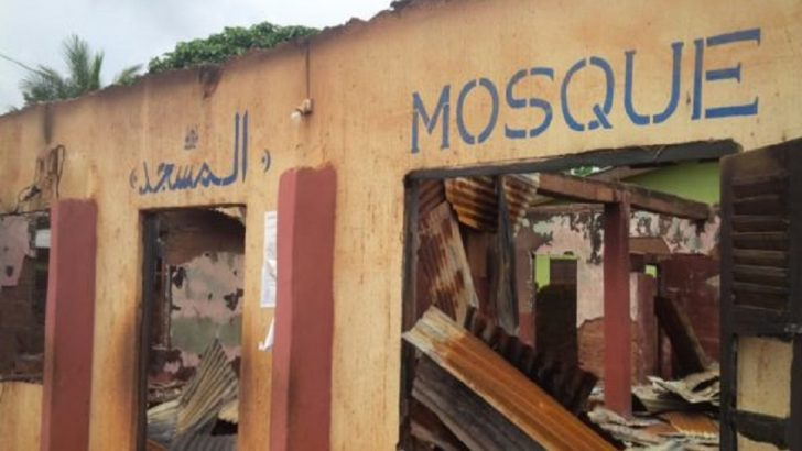 Youth Pulls Down, Burn Mosque in Nsukka as Igbo Mandate Congress Sues for Peace